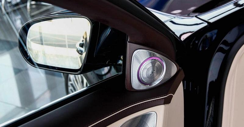 Xe Mercedes Benz S600 MAYBACH màu đen 026