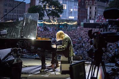 "David Gilmour in Wroclaw ""Rattle That Lock"" concert Photo: Anna Wloch wwwannawlochcom"