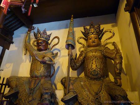 18. templul lui Buda de jad.JPG