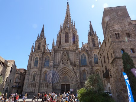 10. Catedrala Barcelona.JPG