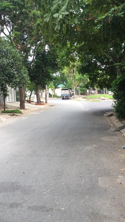 Nhà mặt tiền đường Huỳnh Văn Một 1 trệt 4 lầu Quận Tân Phú 02
