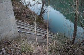 斜樋を望む