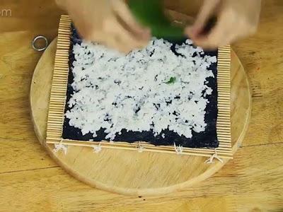 Cách làm cơm cuộn ngon nè y