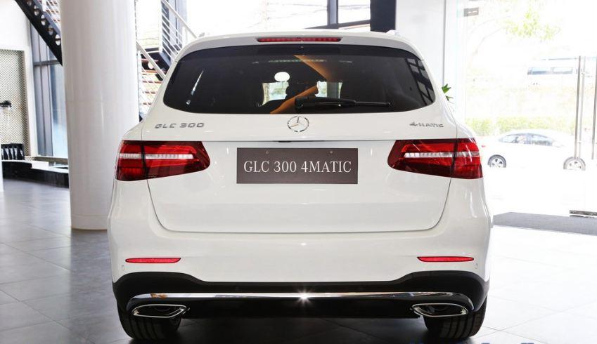 Xe Mercedes GLC 300 AMG màu trắng 07