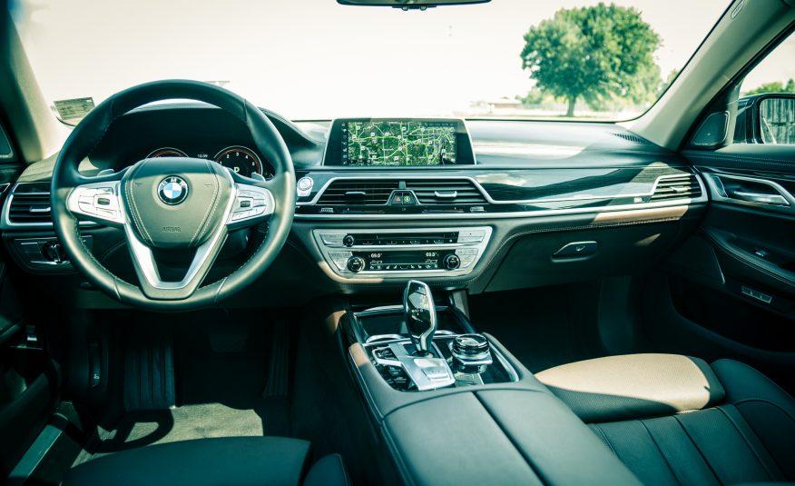 Xe BMW 740Li 05