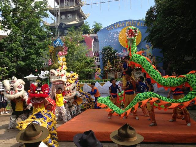 IMG 1972%252520%25252821%252529 Đại lễ Phật đản PL 2557 tại Tu viện Quảng Hương Già Lam