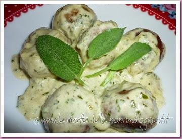 Polpette di pane vegetariane con salsa di panna alla salvia (23)