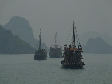 50. in mars spre Halong Bay.JPG