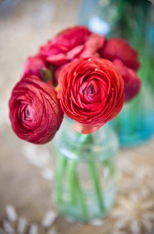 196342_150414338355832_113026885427911_320920_5419083_n sweet pea floral design