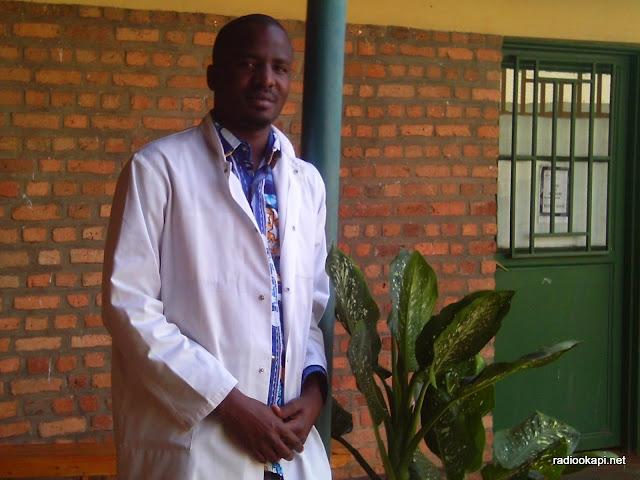 Didier Butara,  médecin congolais dans un hôpital à Kigali au Rwanda. radiookapi.net