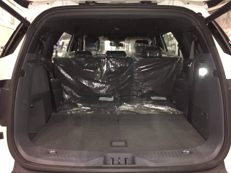 Xe Ford Everest 7 chỗ 2018 màu đen 016