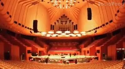 us practising set up for the syndney opera house show tonight tix