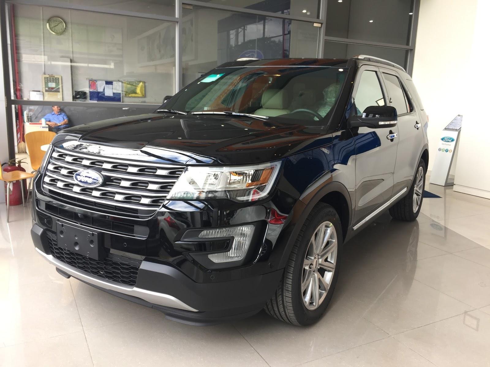 Xe Ford Explorer 2018 Màu Đen 01
