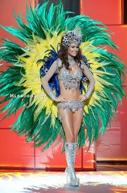 miss-uni-2011-costumes-27