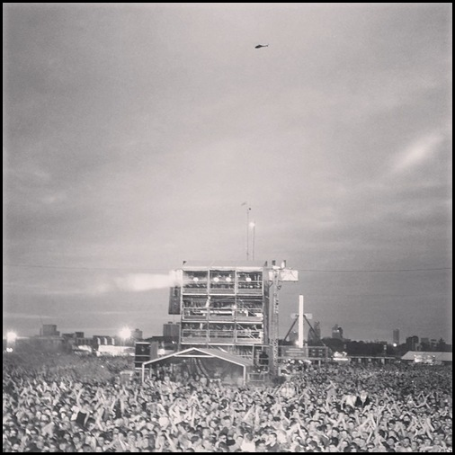 Kasabian - Hard Rock Calling - Copter hovering for a free view
