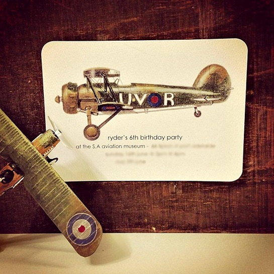 vintage-airplane-party-invitation