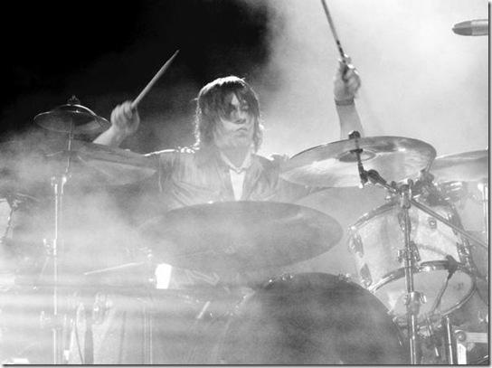 Ramón Gacías a la batería