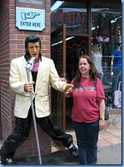 9658 Nashville, Tennessee - Discover Nashville Tour - downtown Nashville Broadway Street - Elvis & Karen