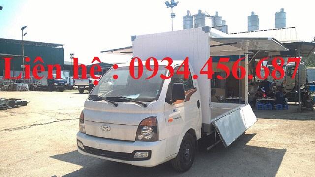 Xe Hyundai Porter H150 thùng cánh dơi