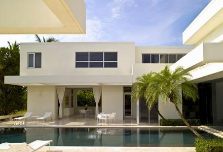 piscina-de-diseño-arquitectura-casa-de-lujo