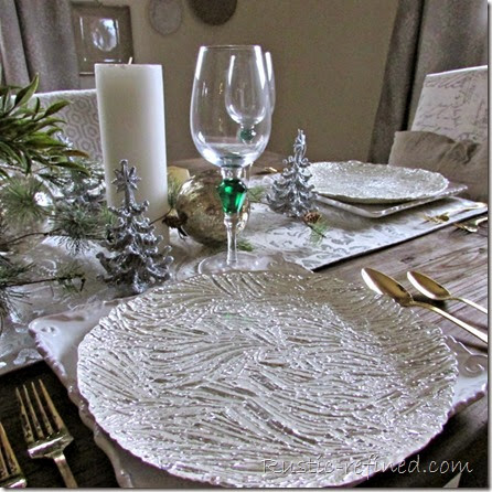 Clever and beautiful ways to set a holiday table
