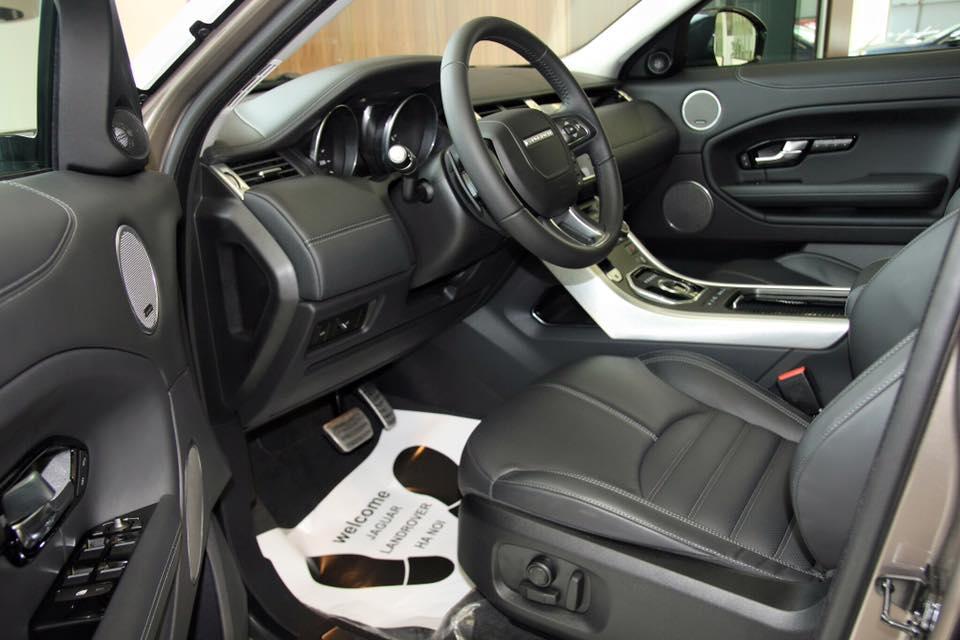 Nội thất xe Range Rover Evoque 02