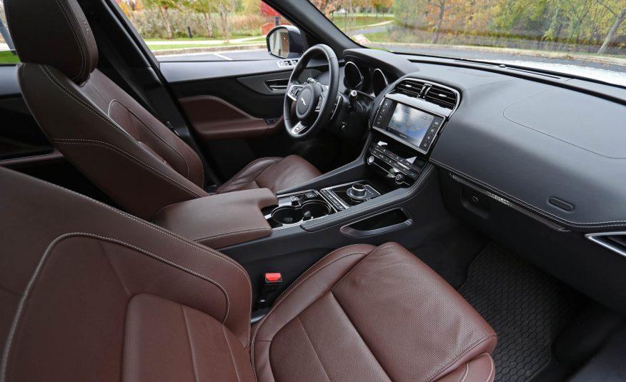 Nội thất xe Jaguar F Pace new model 01