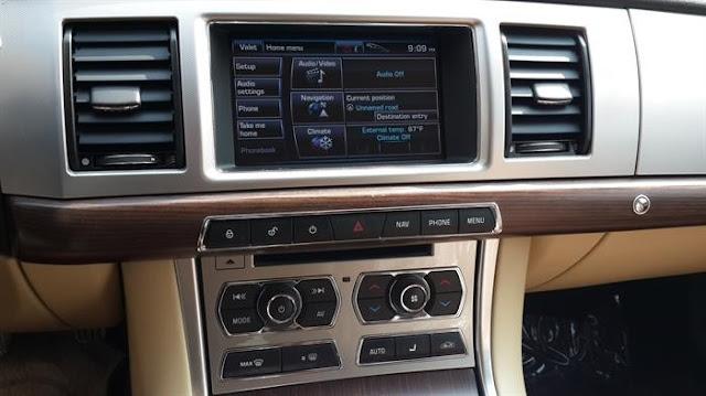 Nội Thất Xe Jaguar XF Premium Luxury 04