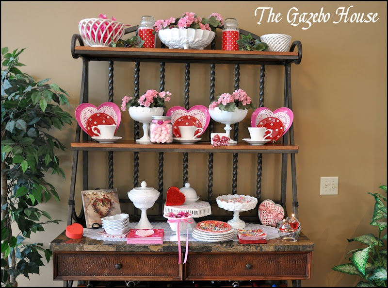 Valentines table & backers rack 001