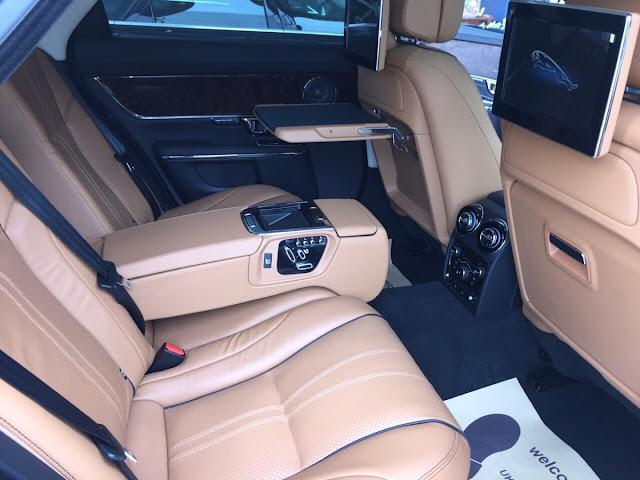 Xe Jaguar XJL Premium Luxury LWB màu đen 07