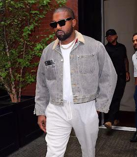 Album mới nhất của Kanye có tựa là Giêsu Vua.