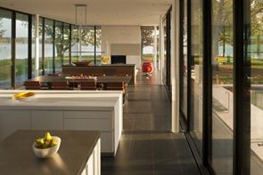diseño-interior-casa-minimalista-Robert-Gurney-Arquitecto