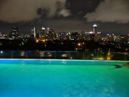 28. Piscina Sofitel Bangkok.JPG
