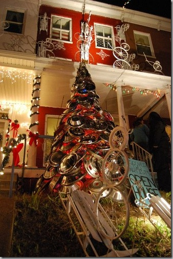 hubcap tree and tire santa