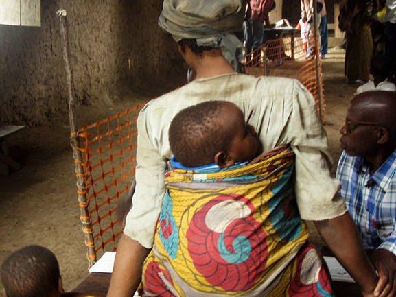 Vaccination des enfants contre la rougeole à masisi. Photo msf.ch