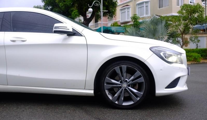 Bán xe Mercedes Benz CLA200 cũ 2015 màu trắng 04