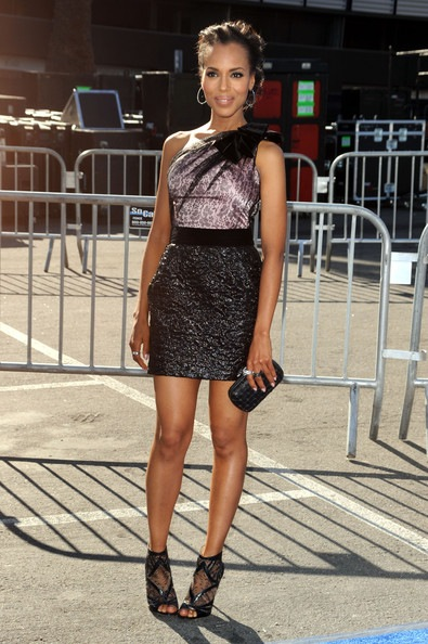 Kerry Washington arrives at the 2011 VH1 Do Something Awards