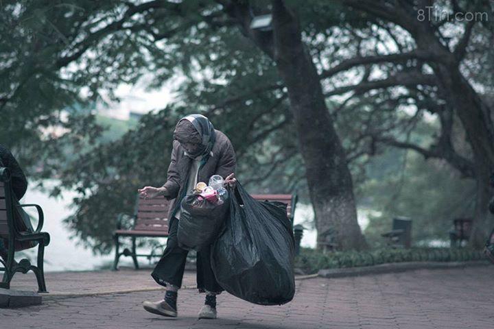 Đối với nhiều người sống ở Hà Nội, Tết đến lại thêm buồn...