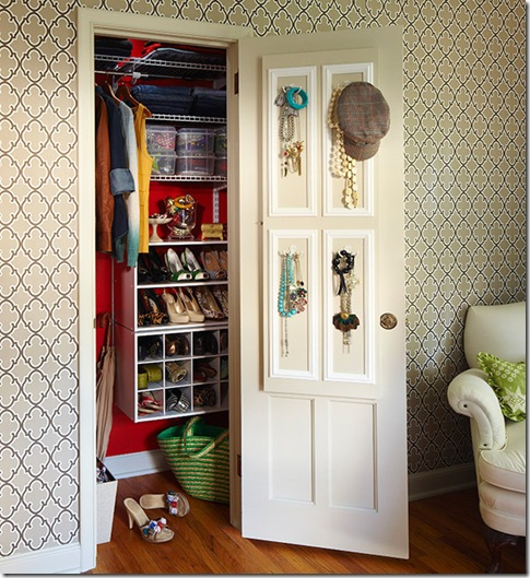 www.lowescreativeideas.com idea-libraryn projects Mirror_Mirror_Off_The_Wall_0111.aspx.ate aquirreach_in_closet_0111_03