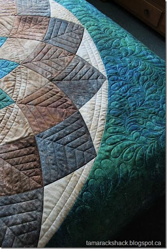 Great I Using A Variety Of Techniques To Quilt This Quilt. Free Hand Meandering  Feathers To Fill The Background, Straight Lines To Create A Leaf Motif In  Each ...