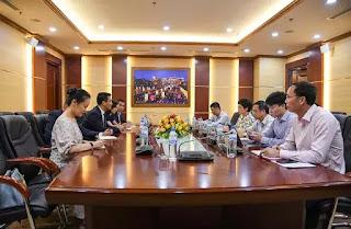 Lãnh đạo Huawei làm việc với Phó Chủ tịch Ủy ban Quản lý vốn nhà nước tại doanh nghiệp .