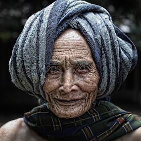 ji nito by Haris Fallin - People Portraits of Men