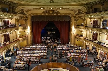 01. Librarie la Buenos Aires.JPG