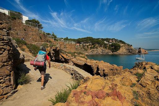 Camí de ronda entre la punta de la Creu i la Platja de sa Riera.Costa Brava,Begur, Baix Empordà, Girona