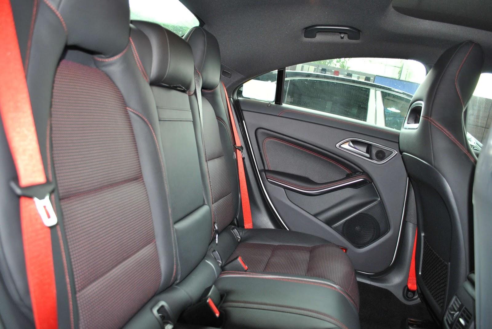 Xe Mercedes Benz CLA45 AMG màu trắng new model 015