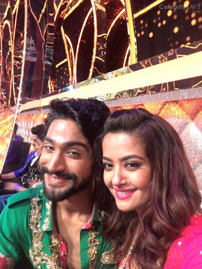 Watch Sanamjohar n me perform our first act on Jhalakdikhlaaja9 colorstv TONITE 10pm