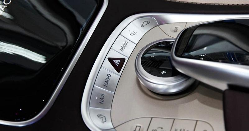 Xe Mercedes Benz S600 MAYBACH màu đen 021