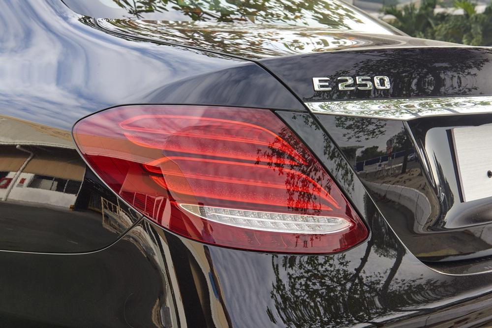 Xe Mercedes Benz E250 AMG Thế Hệ Mới 05