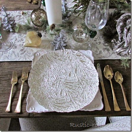 Clever and rustic ways to set a holiday table