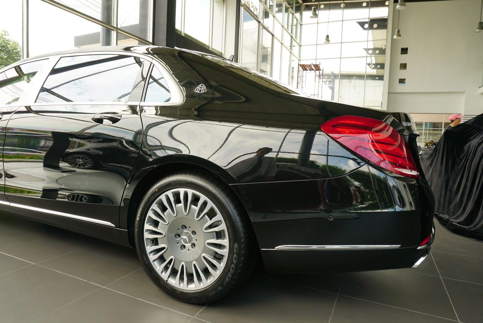 Ngoại Thất Xe Mercedes Benz S600 MAYBACH Màu Đen a03